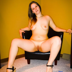 Heels Only - Nude Girls, Big Tits, High Heels Amateurs, Shaved